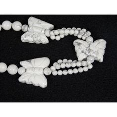 Spring Sale Vintage Howlite Butterfly Bead Necklace ($34) ❤ liked on Polyvore featuring jewelry, necklaces, butterfly jewelry, white bead necklace, vintage jewelry, grey necklace and vintage jewellery