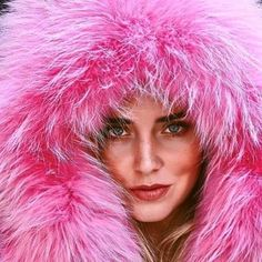 🎀 #chiaraferragni in @mrmrsitaly these beautiful #parkas are in-store now. 🎀 #coat #fur #fashion #style #mrandmrsitaly #mrmrsitaly #mrmrsitalyparka