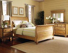 Hamptons Queen Sleigh Bed 1553-Queen