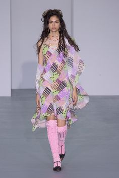 http://www.vogue.com/fashion-shows/spring-2016-ready-to-wear/ryan-lo/slideshow/collection