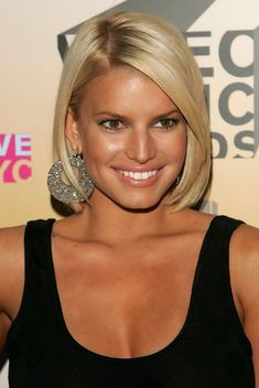 Straight Blonde Bob Haircut for Women: Jessica Simpson's Short Bob Hairstyle...wish I was brave enough