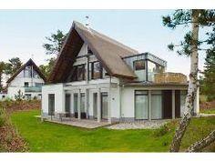 5-Sterne Ferienhaus: Reetgedecktes Strandhaus (8 Personen) in Karlshagen mit Sauna und Whirlpool.