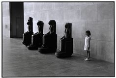 USA. 1988. New York City. The Metropolitan Museum of Art. By Elliott Erwitt