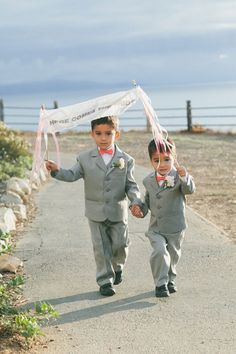 Ring Bearer Style | PHOTO SOURCE • ONE LOVE PHOTOGRAPHY