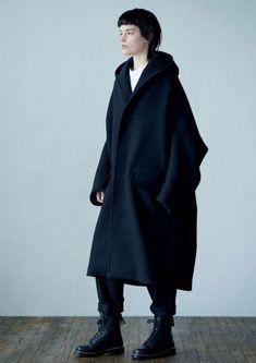 Yohji Yamamoto   #mode #style #fashion #womenswear