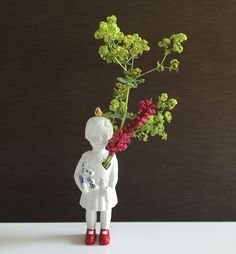 special mini doll. Porcelain little artwork. #studiodewinkel #lammersenlammers #dutchdesign