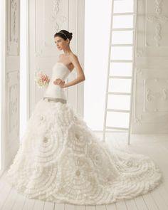 Colección 2013 de Aire Barcelona | Preparar tu boda es facilisimo.com    Para tus fotos estamos aquí:  www.leticiafotodisenobcn.es/