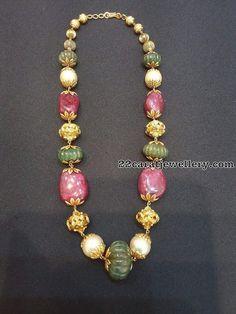 Saved by radha reddy garisa Beaded Jewelry Designs, Gold Jewellery Design, Bead Jewellery, Diamond Jewellery, Indian Wedding Jewelry, Bridal Jewelry, Gold Jewelry Simple, Coral Jewelry, India Jewelry
