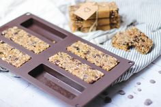 Low Carb Granola Bars: Simple, Soft and Chewy - Oh La Latkes Keto Snacks, Healthy Snacks, Raw Bars, Granola Bars, Low Carb, Bread, Simple, Breakfast, Desserts