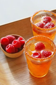 38 delicious non-alcoholic beverages you can make at home.  These beauties don't need alcohol to be refreshing + hip!