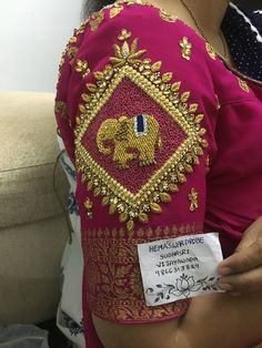 Saree Kuchu Designs, Wedding Saree Blouse Designs, Pattu Saree Blouse Designs, Simple Blouse Designs, Stylish Blouse Design, Blouse Designs Silk, Designer Blouse Patterns, Dress Neck Designs, Sleeve Designs