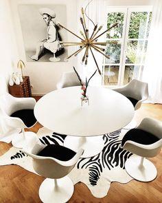Cool Chic! Die Weißen Stühle Im Modernen Design Wirken Zeitlos Elegant.  Trend