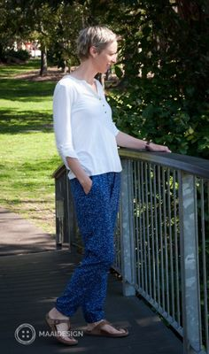 Hudson pants in rayon fabric - MaaiDesign blog - Triangles Blue