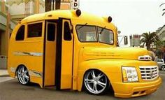 yellow low rider short bus with the front end of a Cadillac Escalade Old School Bus, School Bus Driver, Magic School Bus, School Buses, Aa School, Funny School, Custom Trucks, Custom Cars, Cool Trucks