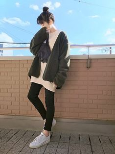 Pin on Kawaii clothes Korean Girl Fashion, Korean Fashion Trends, Korea Fashion, Fashion Line, Japanese Fashion, Cozy Fashion, Tomboy Fashion, Fashion Outfits, 70s Fashion