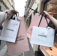 Imagem de chanel, shopping, and luxury