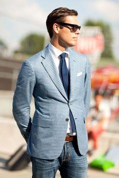 2015-03-31のファッションスナップ。着用アイテム・キーワードはサングラス, ジャケット, チェックジャケット, テーラード ジャケット, デニム, ネクタイ, ポケットチーフ, 白シャツ,etc. 理想の着こなし・コーディネートがきっとここに。| No:97546