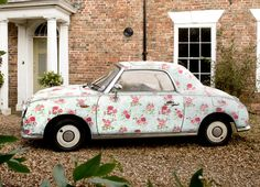 Shabby chic car!      Now I've seen everything...  :-)  Mom. [you find everything, mom. Lol!]