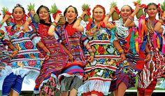 En Oaxaca (México) comen grillos asados; tienen un árbol de 53 metros de diámetro; atesoran varios poblados atrapados en el tiempo; y, sobre la costa, tienen 36 playas encantadoras. Conocé Oaxaca en esta nota: http://turismo.perfil.com/6241-oaxaca-la-linda/ @anatonia @patygallardo @elcolorcomunica