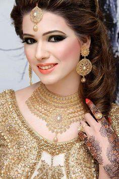 Bridal Eyes Makeup 2015 Fashion And Beauty World eye makeup 2015 - Eye Makeup Pakistan Bride, Pakistan Wedding, Bridal Eye Makeup, Bride Makeup, Tikka Jewelry, Jewellery, Pakistani Wedding Outfits, Asian Bridal, Royal Jewelry
