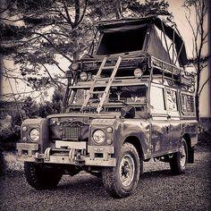 Land Rovers! : Photo