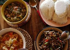 Y - Nshima is in the top right corner it is made of Nsima is a dish made from maize flour (white cornmeal) and water and is a staple food in Zambia (nshima/ ubwali) and Malawi (nsima). Zambian Food, My Favorite Food, Favorite Recipes, Jollof Rice, Thinking Day, Mets, Chutney, Palak Paneer, Entrees