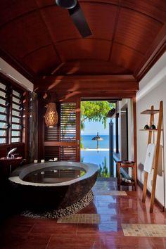 tropical bathroom valances for window Bathroom Interior Design, Interior Exterior, Home Interior, Bathroom Designs, Dream Bathrooms, Beautiful Bathrooms, Tropical Bathroom, Design Case, Wooden Pallet Projects