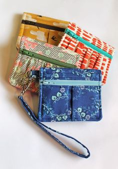Easy wallet pattern from a single fat quarter! By Dog Under My Desk