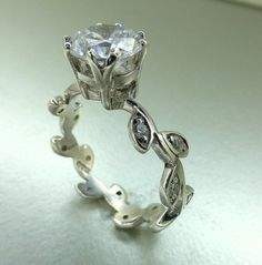 It looks just like my moms ring!  I love this!!!!