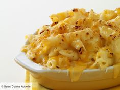 The Mac and cheese is in the United States what beef Bourguignon is at the Franc . Beef Bourguignon, Mc N Cheese, Mac And Cheese Bites, Macaroni Cheese Recipes, Food Porn, Tapas, Queso, Crockpot Recipes, Easy Recipes