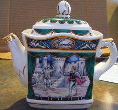 James Sadler Made in England Shakespeare's Hamlet Collectible Teapot Excellent Condition Gold Embellished.
