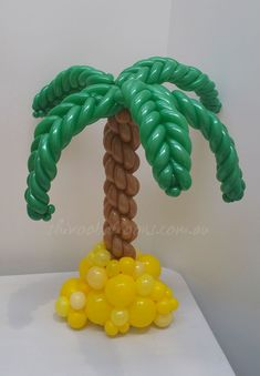- centrepieces - Organic Balloon Designs - shivoo balloons and decor specialists in coburg north Balloon Topiary, Balloon Tree, Balloon Stands, Balloon Display, Balloon Backdrop, Balloon Columns, Jungle Decorations, Balloon Decorations, Balloon Ideas