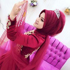 Wedding Hijab Styles, Hijab Wedding Dresses, Hijab Bride, Bridal Dresses, Muslim Brides, Muslim Girls, Muslim Couples, Street Hijab Fashion, Abaya Fashion