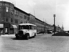 Afbeelding van Saurer-Verheul autobus nr. 8 (serie 8-14) van het G.E.T.U. als lijn A (Ondiep), op de Marnixlaan te Utrecht, uit het zuidwesten. 1931