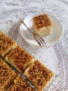 Ciasto rafaello na krakersach (bez pieczenia, bez jajek) PRZEPIS Tiramisu, Baking, Ethnic Recipes, Sweet, Food, Candy, Bakken, Essen, Meals