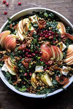 Fall Harvest Honeycrisp Apple and Kale Salad is part of Thanksgiving salad recipes All the best produce that fall has to offer combined into one big beautiful salad Shredded kale, sweet honeycrisp - Whole Food Recipes, Cooking Recipes, Healthy Recipes, Apple Recipes, Fall Vegetarian Recipes, Crockpot Recipes, Oven Recipes, Autumn Recipes Healthy, Autumn Recipes Dinner