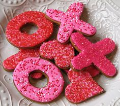 SO making this, just make a sugar cookie recipe, cute these shapes out, decorate with pink/red frosting and sprinkles!!