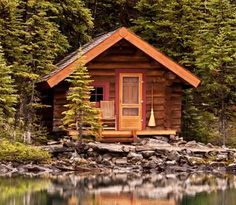 All I Need is a Little Cabin in the Woods Photos) Imagine no more worrying about the commute, early starts or noisy neighbors.These remote cabins would be the perfect hideaway for those who just w Small Log Cabin, Tiny Cabins, Tiny House Cabin, Little Cabin, Log Cabin Homes, Cabins And Cottages, Cozy Cabin, Log Cabins, Guest Cabin
