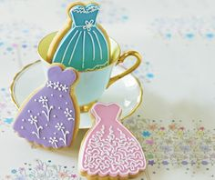 (PRWEB) May 2012 -- De Agostini's new venture Cake Decorating magazine has seen incredible success with its social media presence. Fancy Cookies, Sweet Cookies, Iced Cookies, Cute Cookies, Royal Icing Cookies, Cupcake Cookies, Sugar Cookies, Cupcakes, Baking Cookies
