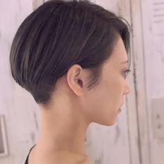 @marieishikawa さんメンテナンスにカットカラーしに来てくれました! 今回は伸ばしていきたいとの事で長さをラインで整えて襟足だけ刈り上げました! カラーはアッシュグレーです! いつ見ても綺麗なモデルさんです^ - ^ 時間ギリギリになってしまいましてすいません>__< モデルさんがあっての作品なので素敵なスタイルを一緒に作りましょう! そのモデルさんに似合わせたスタイルで全力でお洒落にしますので^ ^ イメチェンしたいお客様、今のスタイルにマンネリしてるお客様も募集しています! 料金も都内のサロンと思えない程のリーズナブルですがそれ以上のクオリティーにしますので是非僕に任せて下さい(^O^) affetto by flummeum 03-3414-8100 #イメチェン #アッシュグレー...