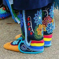 Image result for ojibwe regalia patterns