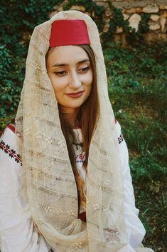 Simona Moon Romania, Moon, Traditional, Jackets, Dresses, Fashion, The Moon, Down Jackets, Vestidos