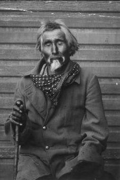 Colville chief Kinkanaqua, last 'Salmon Chief', Washington, ca. 1895 :: American Indians of the Pacific Northwest -- Image Portion