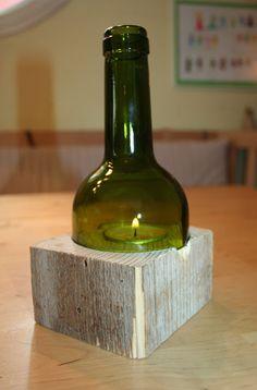 Kerzenleuchter aus Weinflache und Kantholz