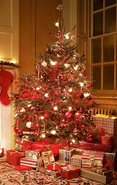 holiday essential tip trim your christmas tree like a pro - How To Trim A Christmas Tree