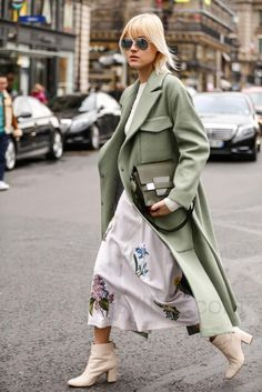 Linda Tol, loving this green with the cream boots