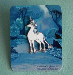 Standing unicorn pin