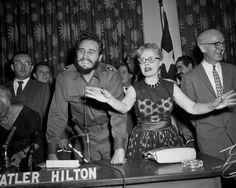 Fidel Castro es recibido en la Universidad de Columbia, Nueva York, el 22 de abril de 1959 (fuente).