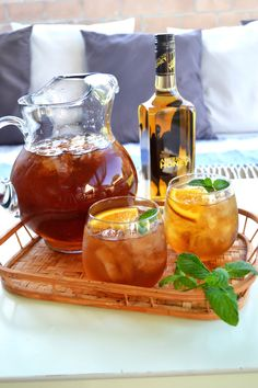 Honey Bourbon Sweet Tea : Mix 1 part sparkling lemonade with 1 part iced tea, combine with Wild Turkey American Honey in a large pitcher, stir in 4 orange slices and 5 mint leaves. Pour over ice, garnish with orange slice and mint leaves.
