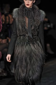 Gucci Fall 2011 - Details ... Wow!